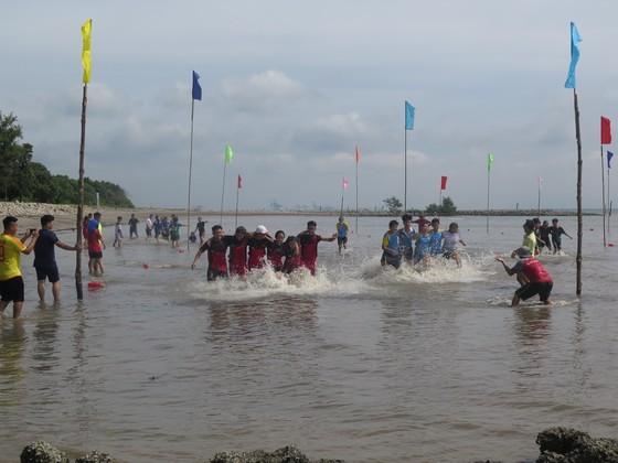 Visitors enjoy joyful time as Can Gio Nghinh Ong Festival returns ảnh 3
