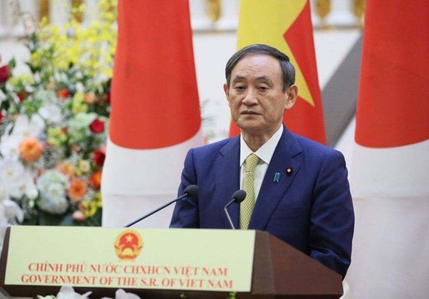PM Nguyen Xuan Phuc chairs welcome ceremony for his Japanese counterpart ảnh 15