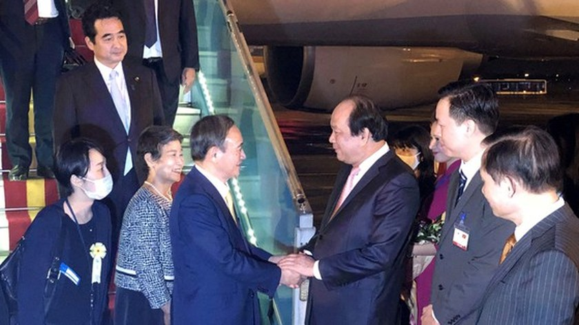 PM Nguyen Xuan Phuc chairs welcome ceremony for his Japanese counterpart ảnh 18