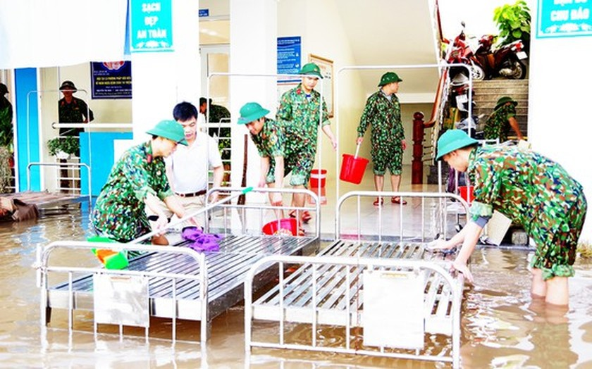 People nationwide extends solidarity with flood victims ảnh 4