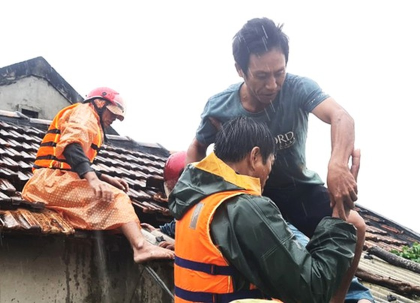 People nationwide extends solidarity with flood victims ảnh 5