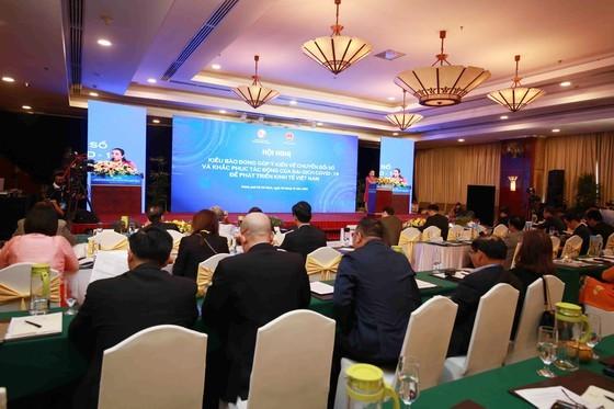 HCMC collects OVs' opinions on digital transformation, economic development ảnh 1