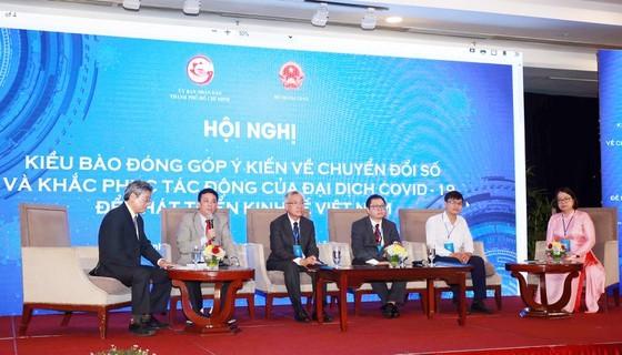 HCMC collects OVs' opinions on digital transformation, economic development ảnh 4