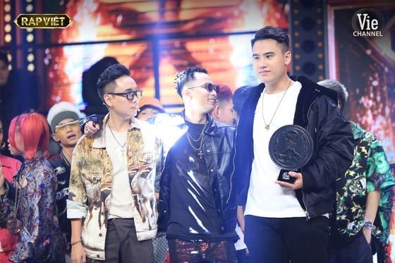 De Choat crowns as winner of Rap Viet competition ảnh 1