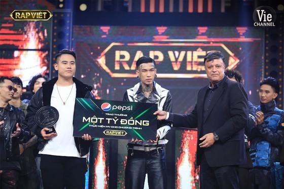 De Choat crowns as winner of Rap Viet competition ảnh 2