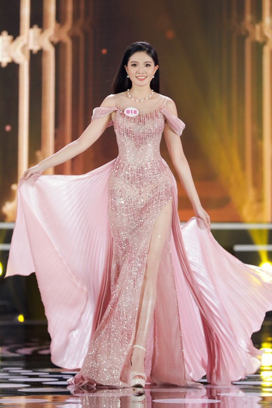 Do Thi Ha wins Miss Vietnam 2020 crown ảnh 12
