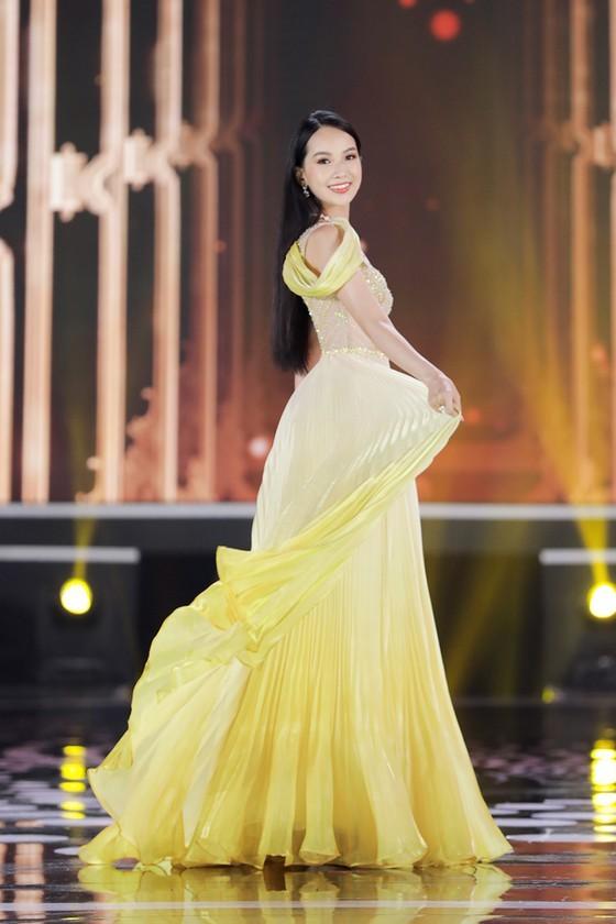 Do Thi Ha wins Miss Vietnam 2020 crown ảnh 19