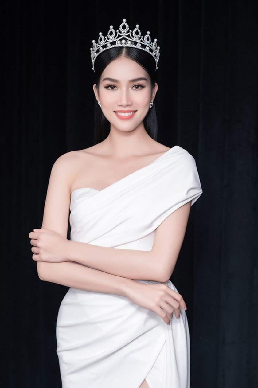 First runner-up of Miss Vietnam 2020 to compete in Miss International 2021 ảnh 3