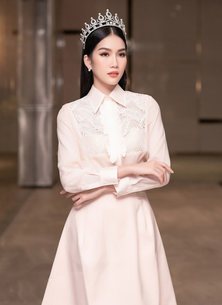 First runner-up of Miss Vietnam 2020 to compete in Miss International 2021 ảnh 6