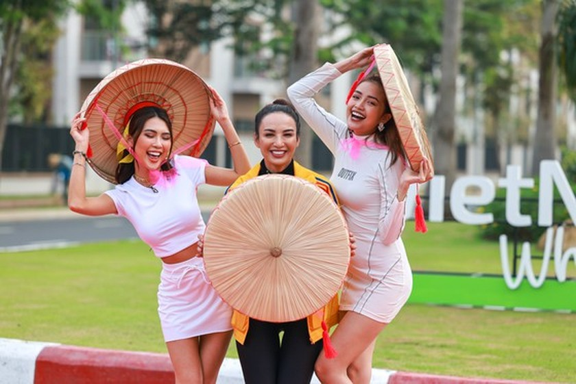 Celebrities join TV reality show to promote domestic tourism ảnh 1
