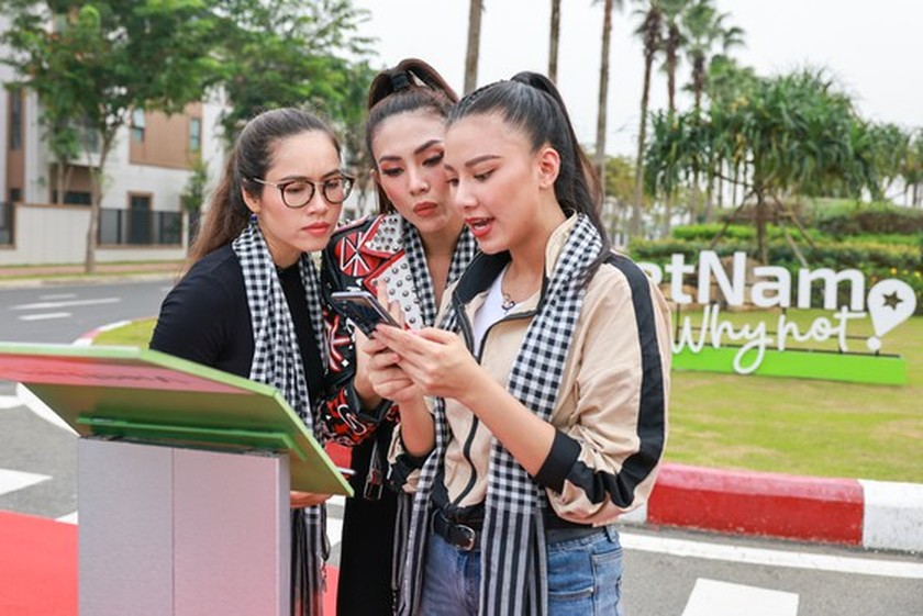 Celebrities join TV reality show to promote domestic tourism ảnh 3