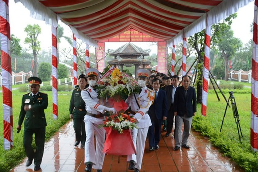 Activities marking centenary birthday of late President Le Duc Anh held ảnh 2