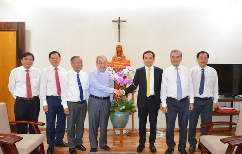 HCMC leaders extend Christmas greetings to Catholics ảnh 5
