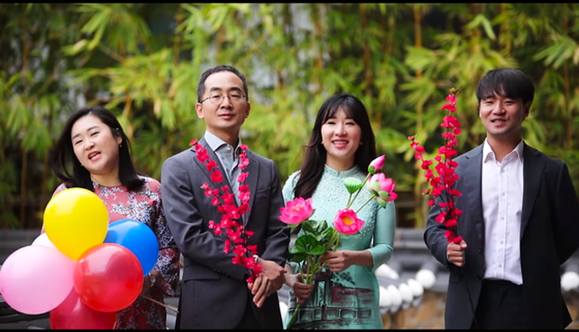 South Korean Embassy launches MV for bright hope in Vietnamese on New Year ảnh 1