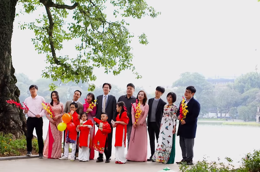 South Korean Embassy launches MV for bright hope in Vietnamese on New Year ảnh 2