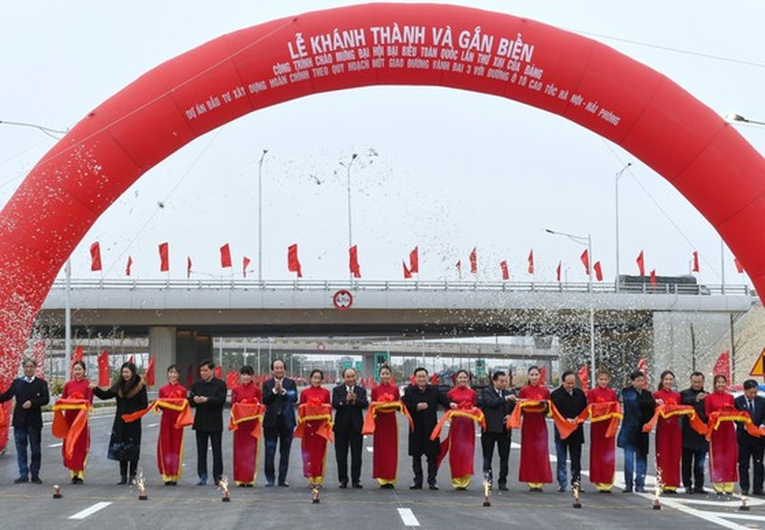 PM opens work connecting Ring Road 3 with the Hanoi - Hai Phong Expressway ảnh 1