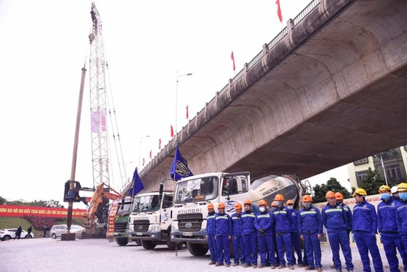 PM opens work connecting Ring Road 3 with the Hanoi - Hai Phong Expressway ảnh 3