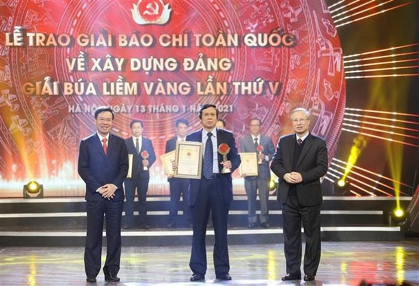 Winners of National Press Awards on Party building named ảnh 1