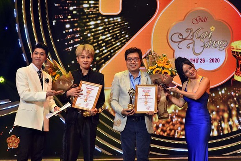 2020 Mai Vang Awards honors artists Hoai Linh, Dai Nghia for community works ảnh 6
