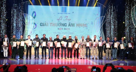 2020 Vietnam Musicians Association Awards honors veteran composer's show ảnh 1
