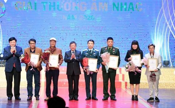 2020 Vietnam Musicians Association Awards honors veteran composer's show ảnh 2