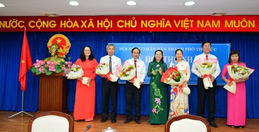 HCMC announces selection and appointment of leading cadres of Thu Duc City ảnh 6