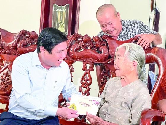 HCMC leaders make pre-Tet visits ảnh 2