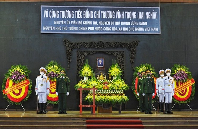 State funeral in Hanoi, Ben Tre for former Deputy PM Truong Vinh Trong starts  ảnh 7
