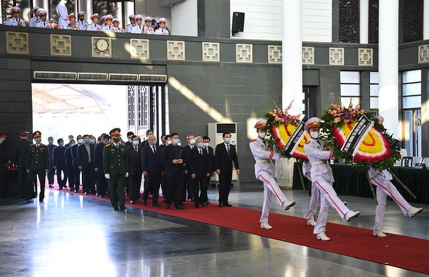 State funeral in Hanoi, Ben Tre for former Deputy PM Truong Vinh Trong starts  ảnh 8