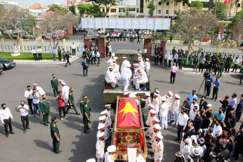 Former Deputy Prime Minister Truong Vinh Trong laid at rest in his native land ảnh 9