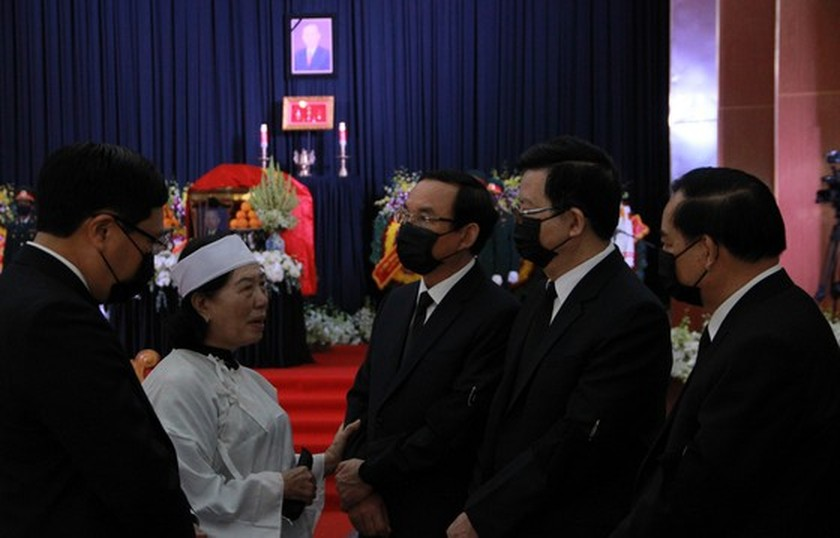 Former Deputy Prime Minister Truong Vinh Trong laid at rest in his native land ảnh 4