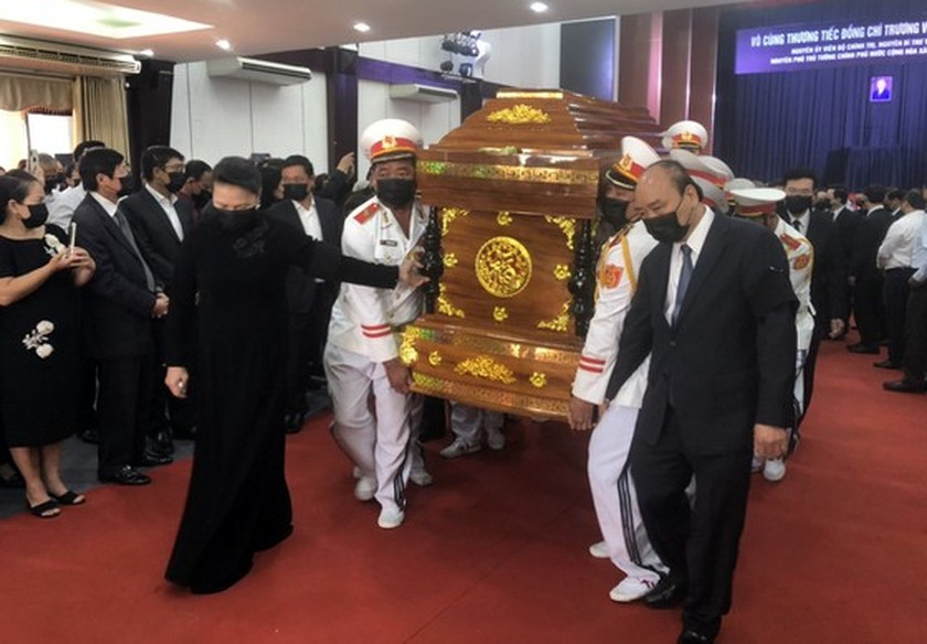 Former Deputy Prime Minister Truong Vinh Trong laid at rest in his native land ảnh 7