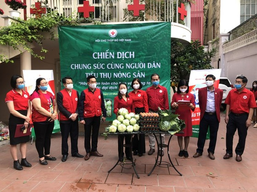 """Campaign launched to """"rescue"""" farm produce in COVID-19 hotspot of Hai Duong ảnh 1"""