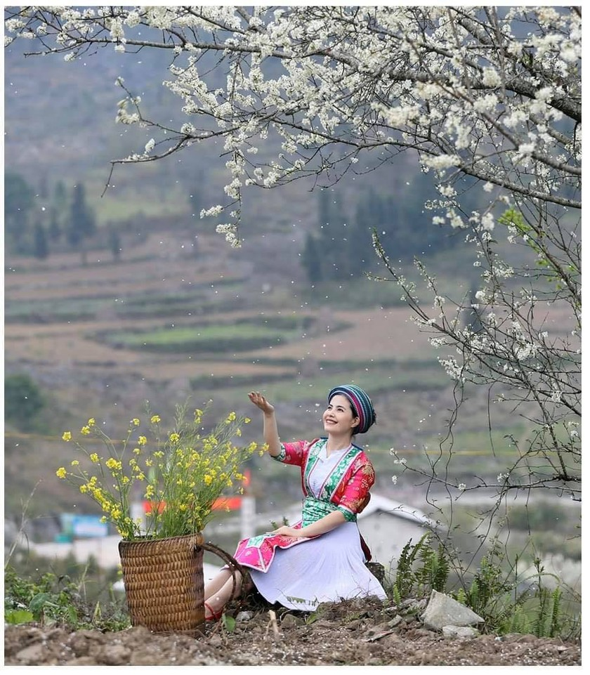 Beauty of women in Ha Giang Province's plateau of rocks ảnh 13
