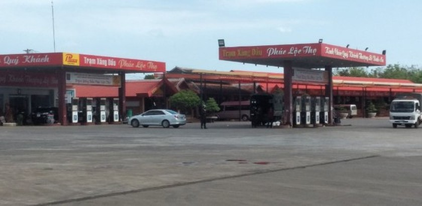 Police search 16 petroleum stations in HCMC, Binh Phuoc ảnh 2