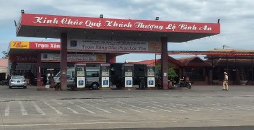 Police search 16 petroleum stations in HCMC, Binh Phuoc ảnh 3