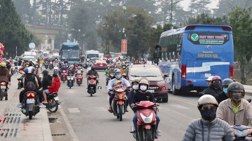 Da Lat City's tourism industry increasingly revived ảnh 2