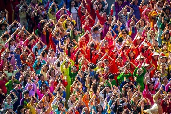 Vietnam in various colors ảnh 1