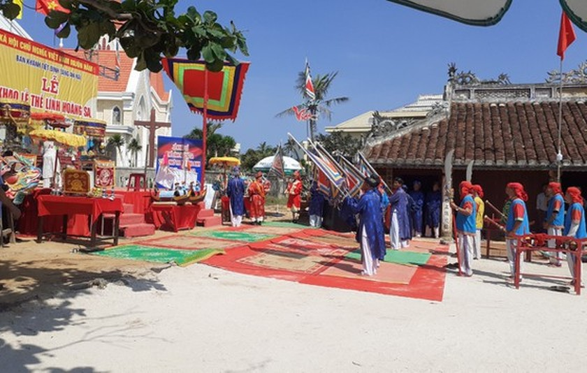 Ritual commemorating soldiers of ancient Hoang Sa Flotilla held ảnh 2