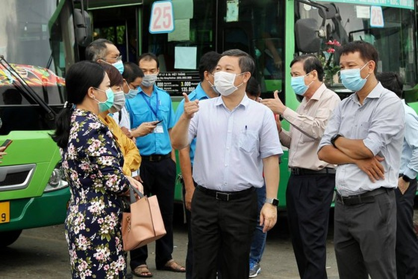 HCMC authorities inspect Covid-19 prevention, control work ảnh 4