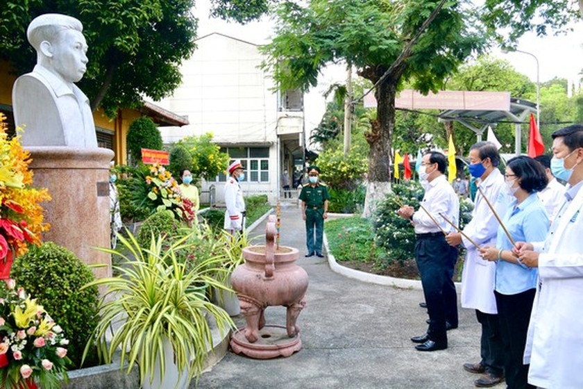City Party Secretary visits historical sites, works with District 5  ảnh 1