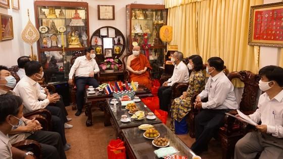 HCMC Party Chief, Chairman extend congratulations on Buddha's birthday ảnh 7