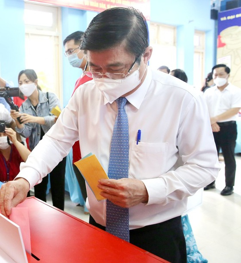 State President casts his ballot in Cu Chi's voting site on election day ảnh 8