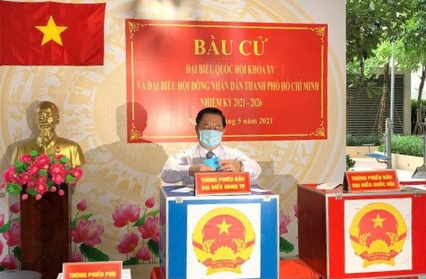 State President casts his ballot in Cu Chi's voting site on election day ảnh 13