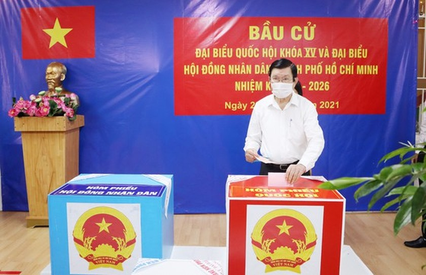 State President casts his ballot in Cu Chi's voting site on election day ảnh 7