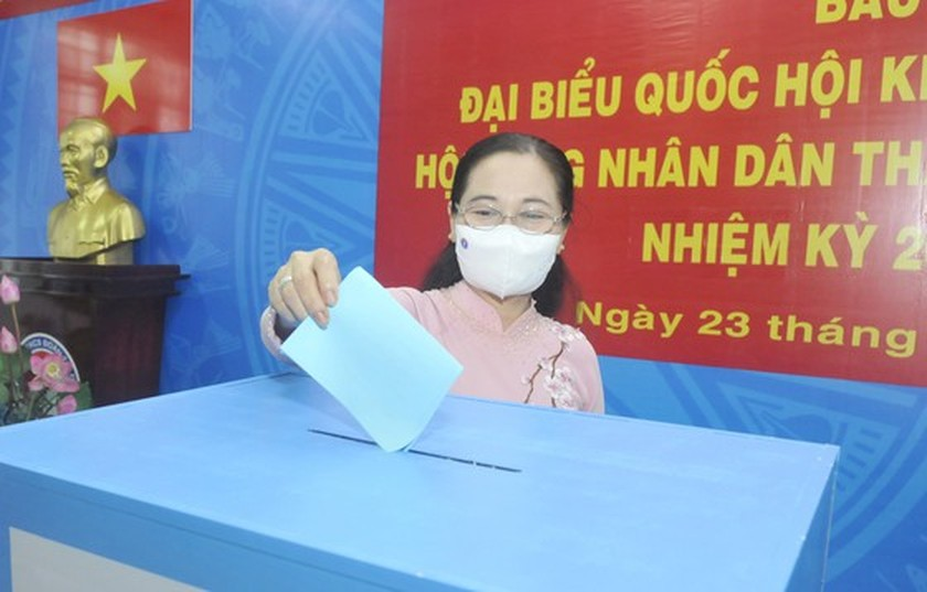 State President casts his ballot in Cu Chi's voting site on election day ảnh 15