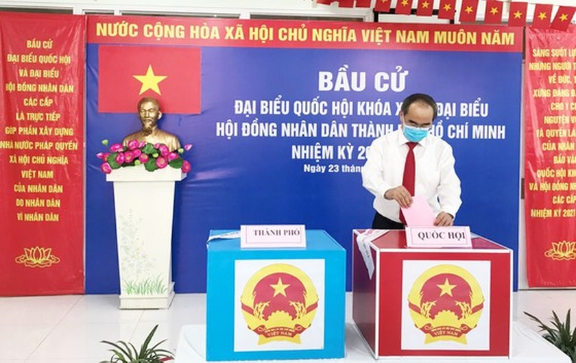 State President casts his ballot in Cu Chi's voting site on election day ảnh 14