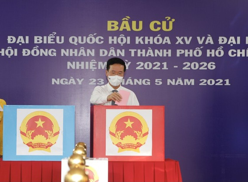 State President casts his ballot in Cu Chi's voting site on election day ảnh 5