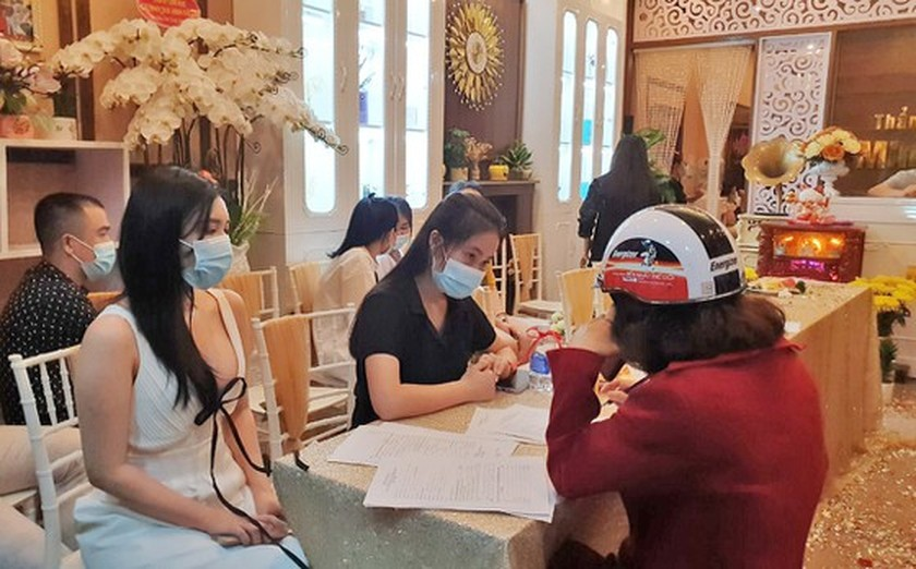 Lam Dong revokes beauty spa's business license for violating Covid-19 rules ảnh 1