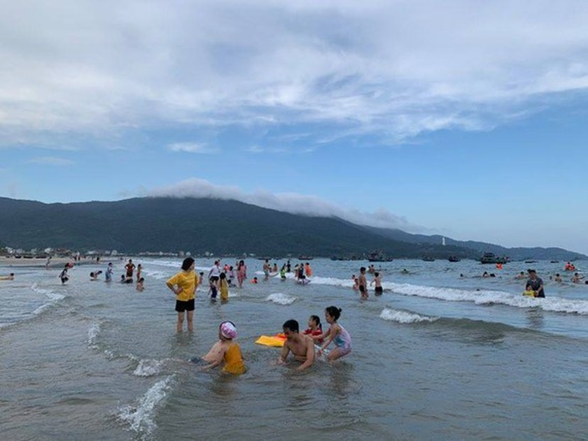 Da Nang lifts few restrictions on some businesses, outdoor activities ảnh 1